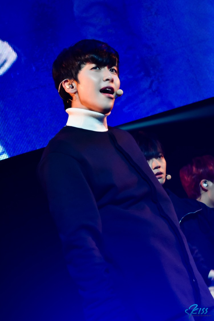 10.XIAO_170122_UP10TION_0709_sr+