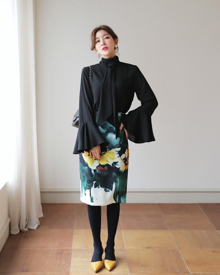 スリットフローラルタイトスカート