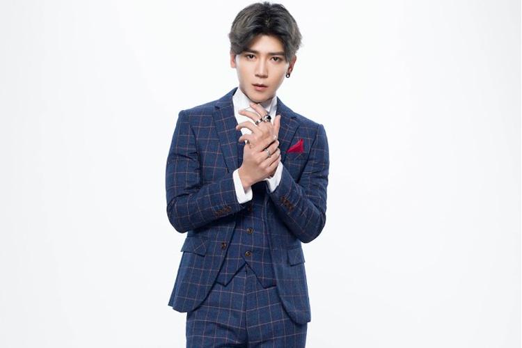 台韓ハーフの男性シンガー畢書盡Bii(ビー)、知れば知るほど好きになる!!
