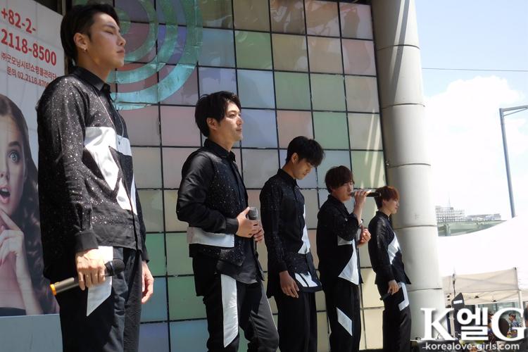 CODE-V ソウルの野外ライブで1500人動員!後輩・BLANC7も出演!